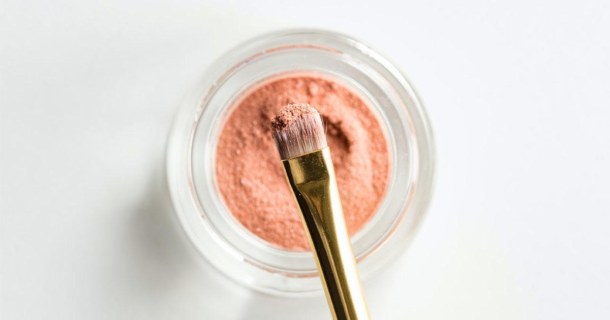 Make Up Brush Turn Beautiful